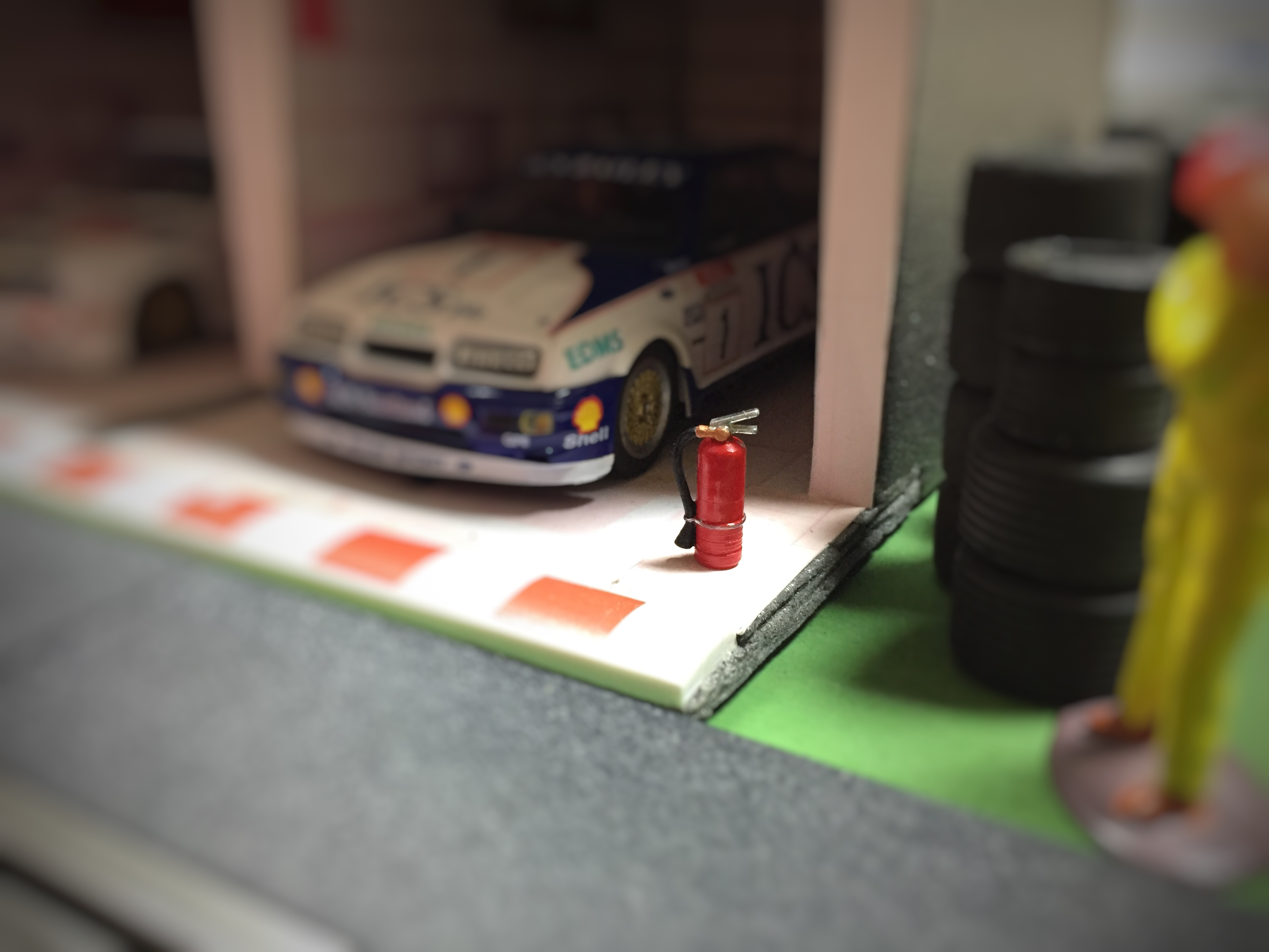 Slot Car Scenics Fire Extinguisher Pk of 6 for scalextric High Detail 1:32 scale